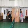 A latin-aerobik szakkör tagjainak látogatása farsangi jelmezben az asztalitenisz szakkörösöknél